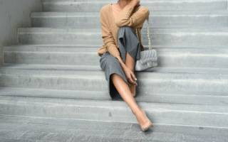 С чем носить бежевые туфли на каблуке? С чем носить серебряные туфли
