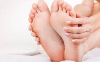 Чем вывести и как вылечить сухую мозоль на подошве ноги, стопы? Способы лечения натоптышей