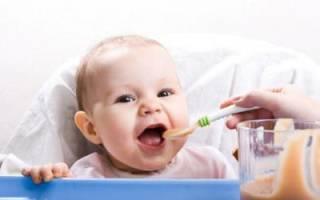 Что делать если ребёнок срыгивает после кормления. Почему ребенок постоянно срыгивает после кормления грудным молоком или смесью? Когда при срыгиваниях у ребенка нужно идти к доктору