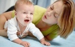 Рвота у ребенка при грудном вскармливании. Рвота у грудного ребенка – причины и что делать