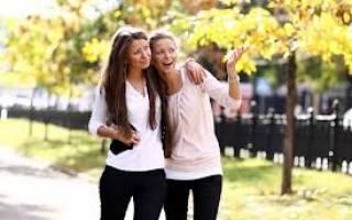 Статус про подругу со смыслом в прозе. Цитаты про подруг