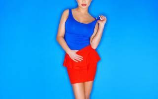 С чем носить красные юбки. C чем носить красную юбку карандаш, что бы выглядеть непревзойденно