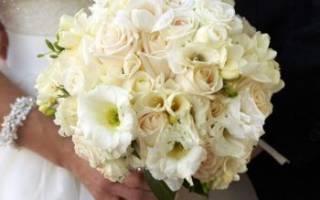 Платье айвори. Свадебный букет под платье цвета айвори: как подобрать, чтобы он не выглядел тусклым