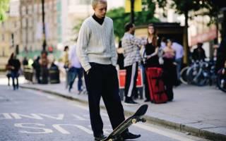 С чем носить широкие шифоновые брюки. Мужские широкие брюки: как выбрать и с чем носить? Какие материалы используются для пошива