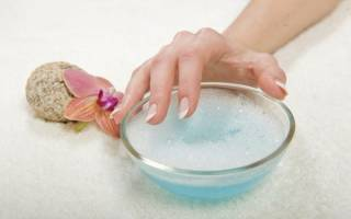 Можно стереть лак в домашних условиях. Чем стереть лак с ногтей, если нет жидкости для снятия. Удаление лака для ногтей с волос